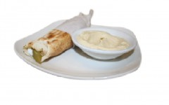 """Oasis"" offers savory Mediterranean cuisine"