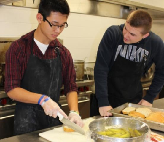 Foods class takes a fresh approach to running a restaurant