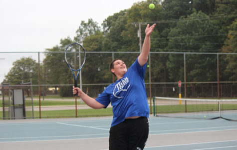VARSITY BOYS' TENNIS FINISHES STRONG 2017 SEASON